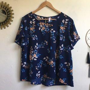 Target NWOT blue floral top